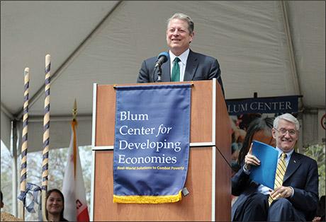 April 23, 2009 - Blum Center Groundbreaking with Vice President Al Gore. (Peg Skorpinski)